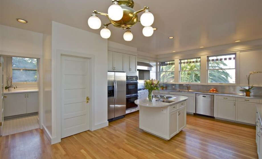 A chef's kitchen. For real. Pics: Peter Pickrel of Coldwell Banker/MLS