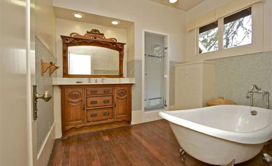 Old school bathroom. Pics: Peter Pickrel of Coldwell Banker/MLS