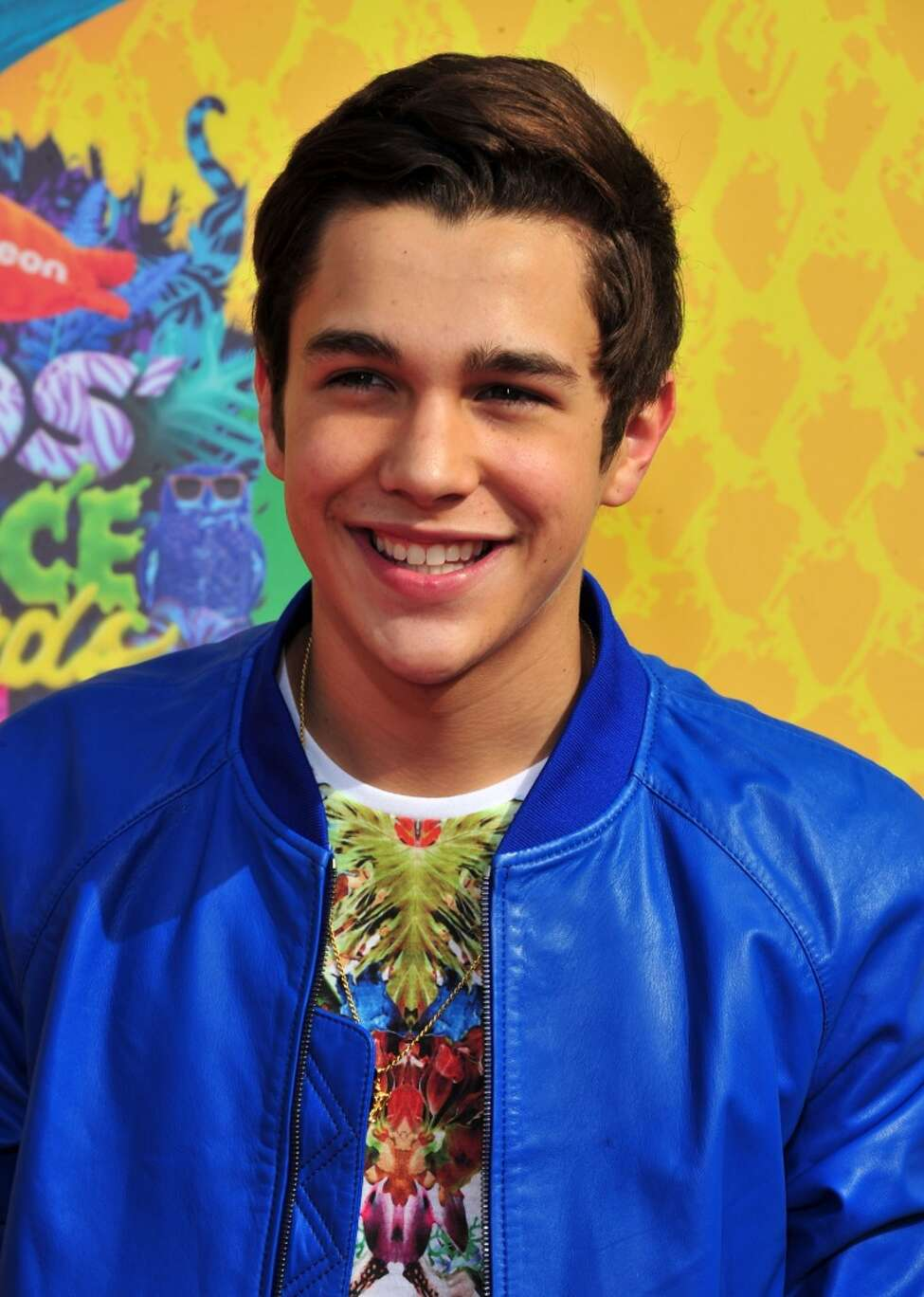 Speculations from fans sourcing social media are saying Mahone has started a new flame with