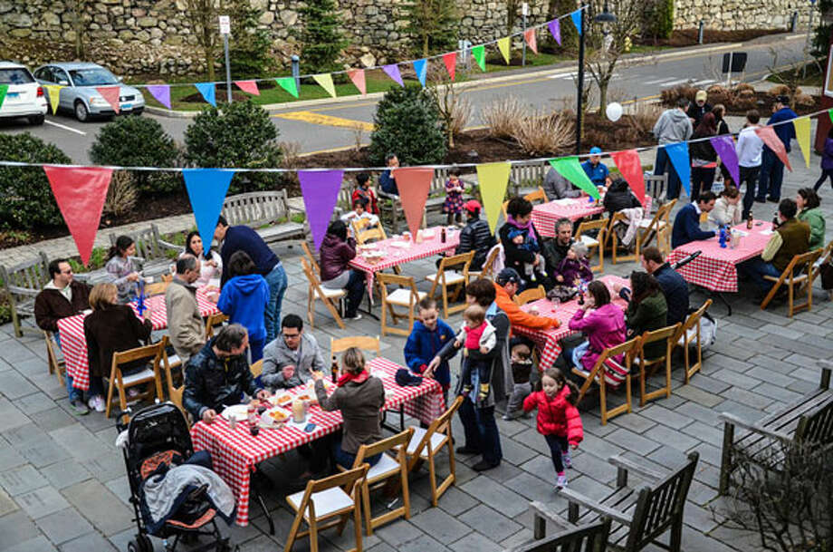 Westport Country Playhouse invites the community to a Family Festivities Kick-off Party on Sunday.