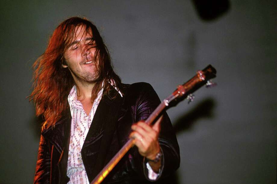 Krist Novoselic performing live onstage with Nirvana at the Reading Festival in the United Kingdom Aug. 30, 1992. Photo: Mick Hutson, Getty / © Mick Hutson/Redferns Ltd