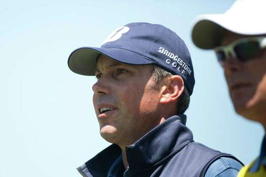 Matt Kuchar watches his golf ball travel to the fairway from the teeing ground on 4th hole during the round two of the Shell Houston Open at the Golf Club of Houston, Friday, April 4, 2014, in Humble. Photo: Marie D. De Jesus, Houston Chronicle / © 2014 Houston Chronicle