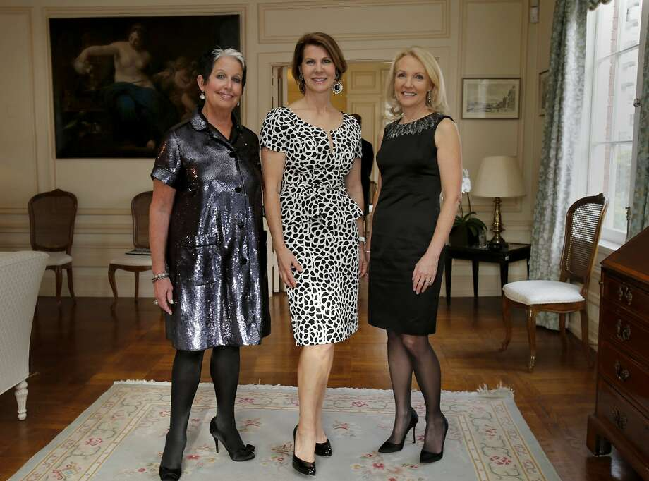 Karen Kubin (left), Katie Jarman and Ann Girard, current and past presidents of the Opera Guild, at the Italian Consulate. Photo: Brant Ward, The Chronicle