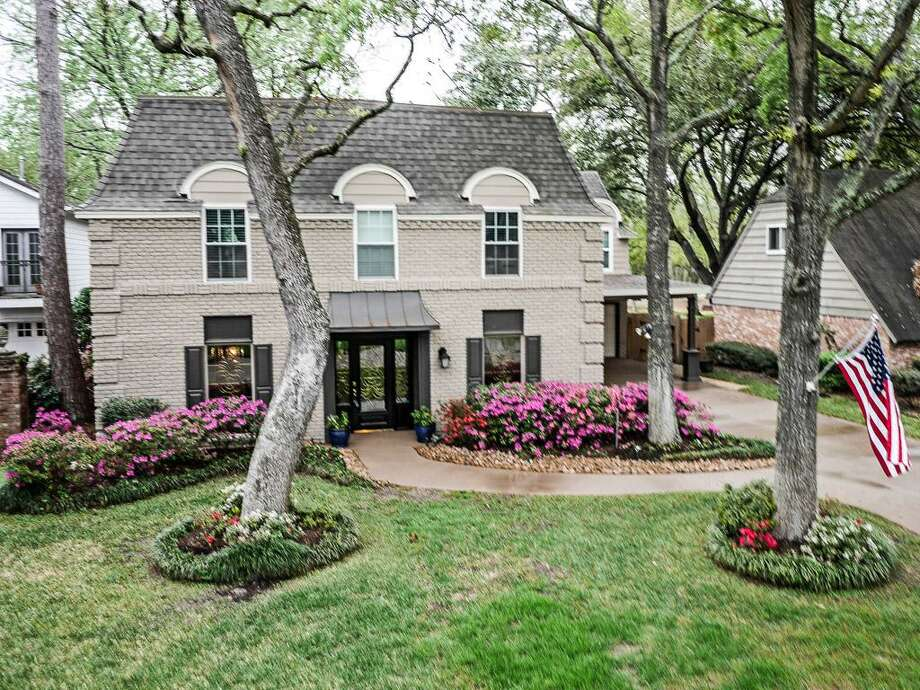 14827 Bramblewood: This 1970 home has 4 bedrooms, 3.5 bathrooms, and 4,266 square feet. Listed for $1,100,000. Open house: 4/6/2014, 12 p.m. to 2 p.m. Photo: Houston Association Of Realtors
