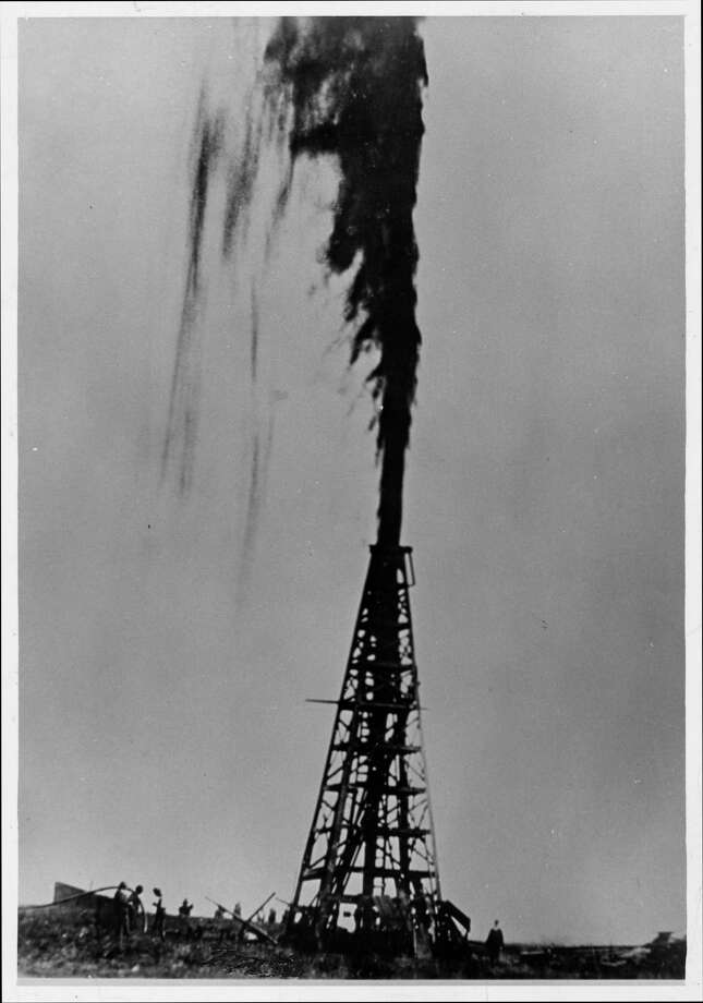 The Lucas Gusher at Spindletop in 1901. Photo: Frank J. Trost / handout