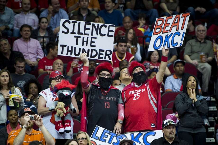 Rockets fans cheer their team. Photo: Smiley N. Pool, Houston Chronicle