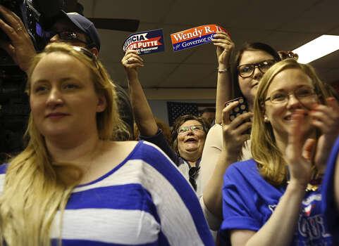 In Dallas, supporters greet Sen. Van de Putte with cheers. / SAN ANTONIO EXPRESS-NEWS