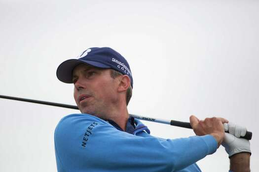 Matt Kuchar swings a tee shot on the 18th hole during the round three of the Shell Houston Open at the Golf Club of Houston, Saturday, April 5, 2014, in Humble. Kuchar ended leader on the third round followed by a tie between Cameron Tringale and Sergio Garcia. Photo: Marie D. De Jesus, Houston Chronicle / © 2014 Houston Chronicle