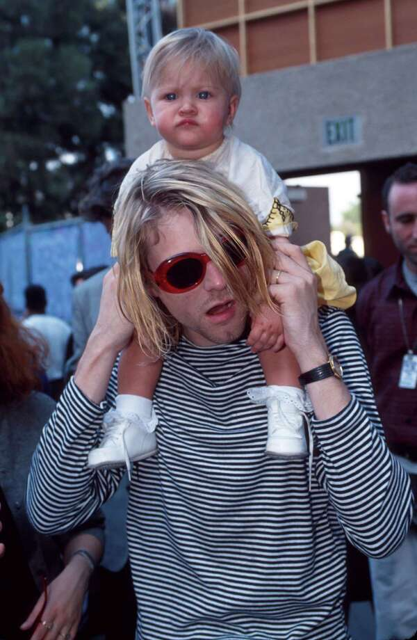Kurt Cobain and daughter Frances Bean Cobain on Sept. 3, 1993, at the MTV Video Music Awards.  Photo: KMazur, Getty Images / WireImage