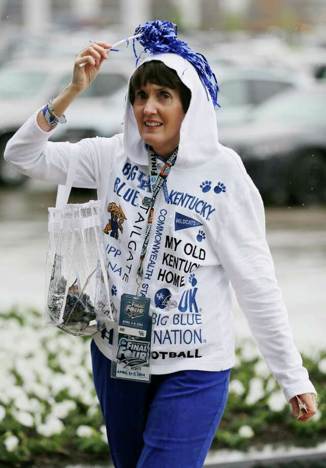 Jane Fletcher of Litchfield, Kentucky arrives for NCAA Final Four tournament college basketball semifinal games Saturday, April 5, 2014, in Dallas. Photo: Charlie Neibergall, AP / Associated Press