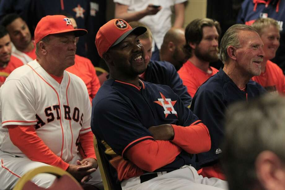 Astros manager Bo Porter smiles as the team honors Lance Berkman and Roy Oswalt. Photo: Karen Warren, Houston Chronicle