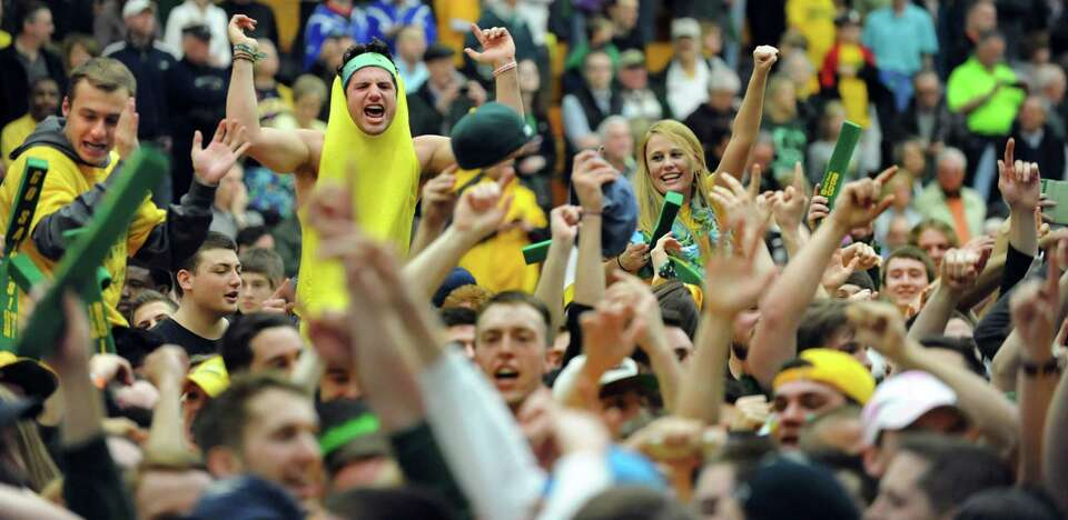 Siena fans celebrate their 81-68 win over Fresno State in the CBI final game on Saturday, April 5, 2
