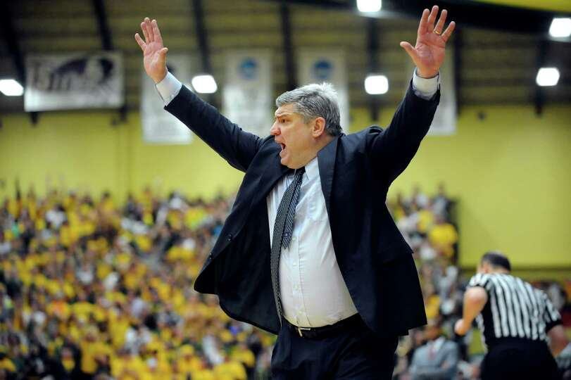 Siena's coach Jimmy Patsos shouts from the sidelines in the CBI final basketball game against Fresno