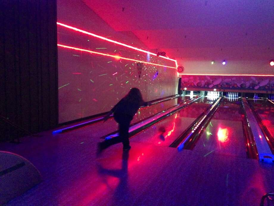 Kelly has some serious bowling form.