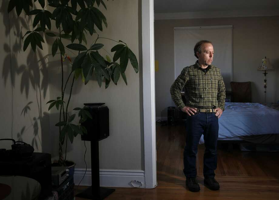 Jeffrey Katz received an eviction notice after hosting Airbnb guests in his San Francisco apartment. Photo: Leah Millis, San Francisco Chronicle