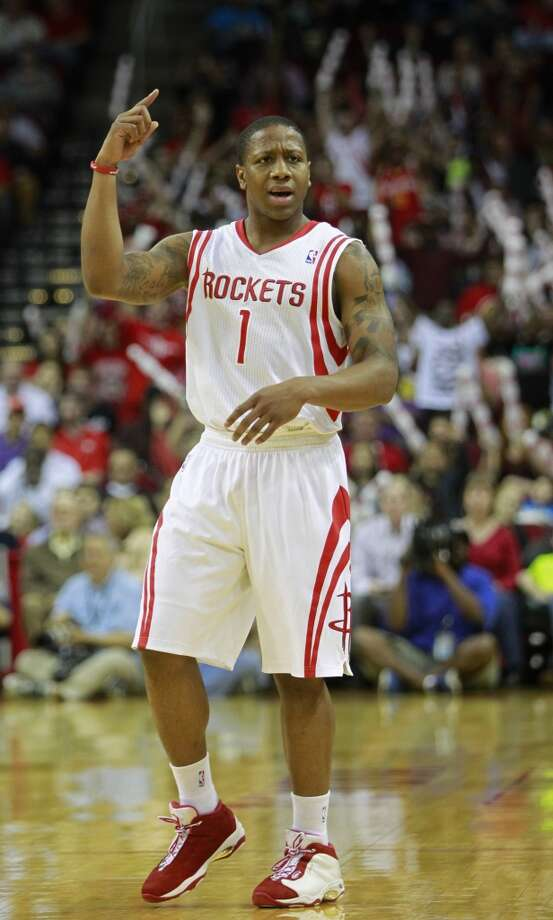 Isaiah Canaan reacts when his shot did not beat the first-quarter buzzer. Photo: Melissa Phillip, Houston Chronicle