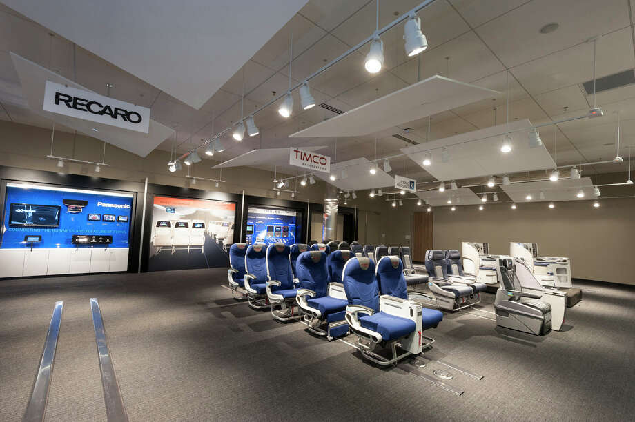 Boeing's new 737 Interior Configuration Studio is shown in this handout photo. Photo: Paul Gordon, The Boeing Co. / Copyright © 2014  Boeing. All Rights Reserved.