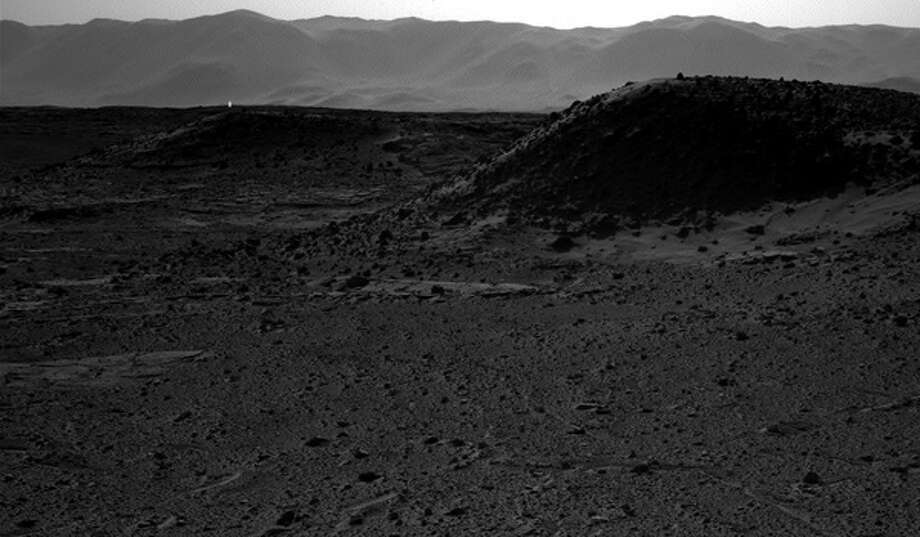 NASA offers 3 explanations for strange bright light seen in photo from Mars