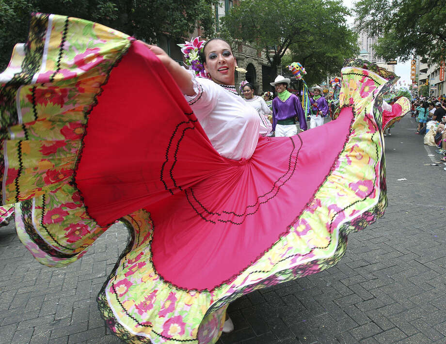 This year Fiesta is 18 days, starting April 10, but you can join the party without breaking the bank. Check out some of the Fiesta freebies here. Go to fiesta-sa.org for the full listings. Photo: Express-News File Photo