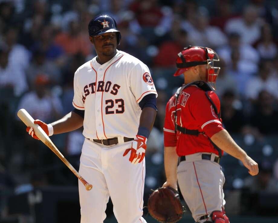 Astros first baseman Chris Carter strikes out during the eighth inning. Photo: Karen Warren, Houston Chronicle