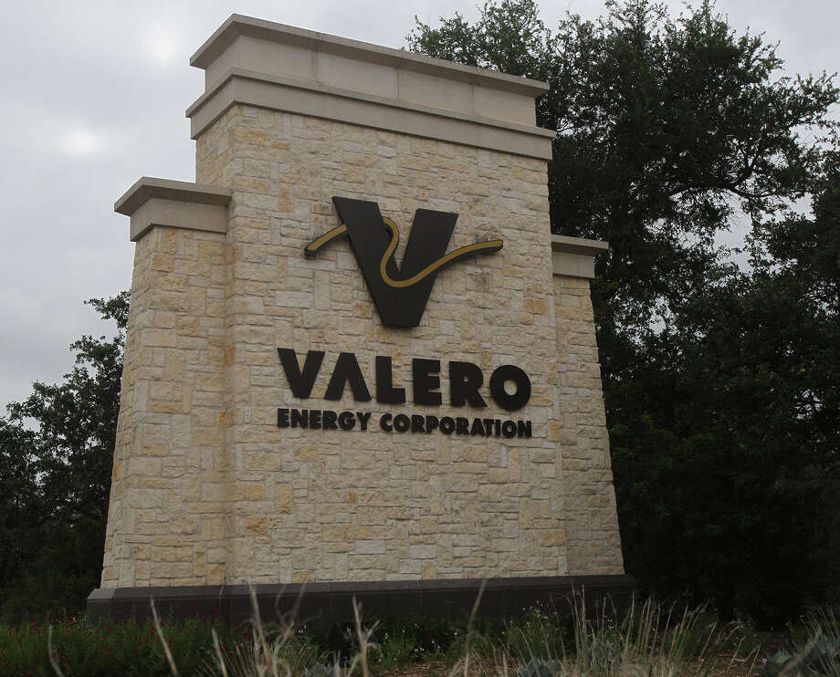 Valero said it wants to ensure its Quebec refinery has North American crude. Photo: John Davenport / Express-News / ©San Antonio Express-News/Photo may be sold to the public