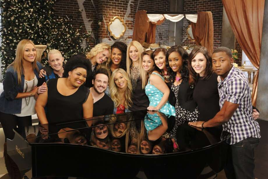 "Team Shakira Battle Reality from ""The Voice"": Clarissa Serna (from left), Kristen Merlin, Cierra Mickens, Dani Moz, Jeremy Briggs, Musicbox / Ayesha Brooks, Lindsay Bruce, Shakira, Ddendyl Hoyt, Emily B, Deja Hall, Lindsay Pagano and Deshawn Washington. Photo: Trae Patton/NBC, NBCU Photo Bank Via Getty Images"