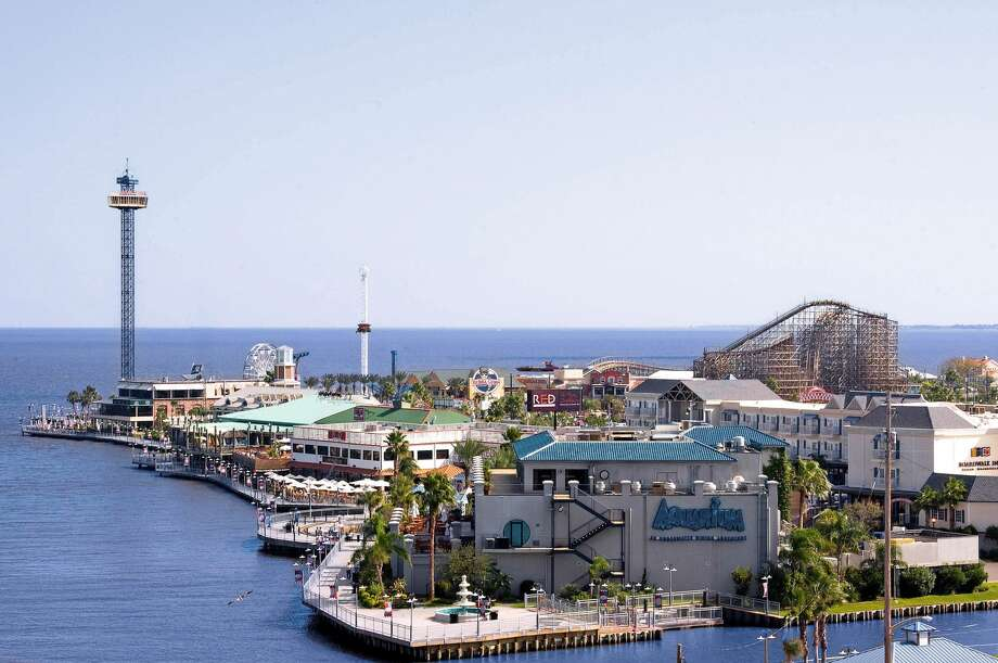 Kemah Boardwalk offers the best in waterfront fun with amusements and rides, with something for everyone. (Landry's Inc.)