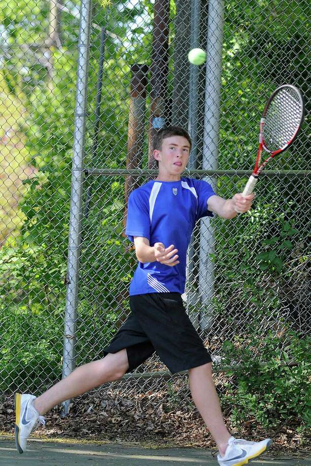 Ludlowe's Alex Barker returns a volley in a boys varsity tennis match as Brien McMahon High School hosts Fairfield Ludlowe High School in Norwalk CT on Monday May 9, 2011. Photo: Shelley Cryan, ST / Shelley Cryan freelance; Norwalk Citizen freelance