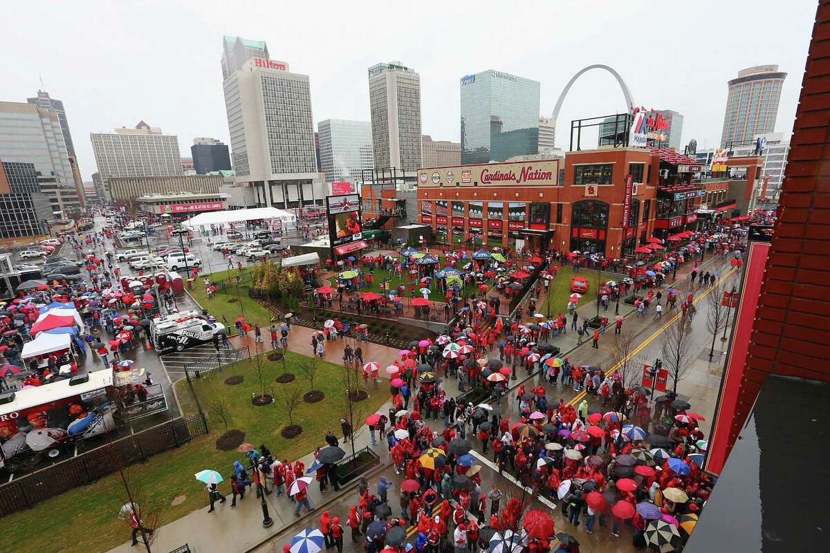 11. St. Louis, Mo.-Ill.: 27.9% of residents are obese PHOTO: Fans wait to get into Busch Stadium prior to the St. Louis Cardinals playing against the Cincinnati Reds in the home opener on April 7, 2014, in St. Louis, Mo.