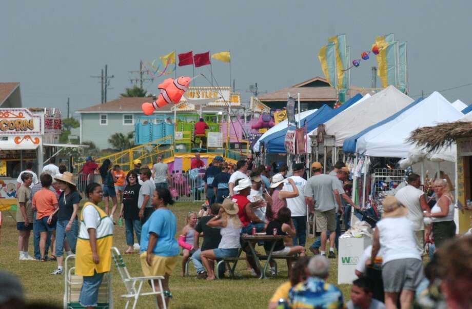 Lil' Bit and the Customatics perform Saturday afternoon at the Texas Crab Festival in Crystal Beach. PHOTO/SCOTT ESLINGER         MAY 08, 2004 Photo: The Beaumont Enterprise