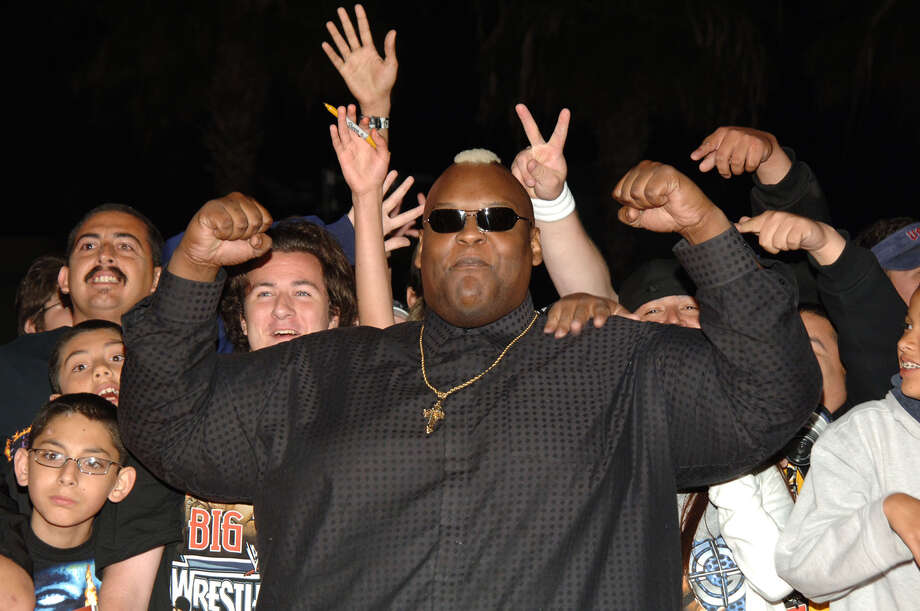 Nelson Frazier Jr. – who wrestled under the names Big Daddy V, Viscera and King Mabel – died in February 2014 at the age of 43 of an apparent heart attack.