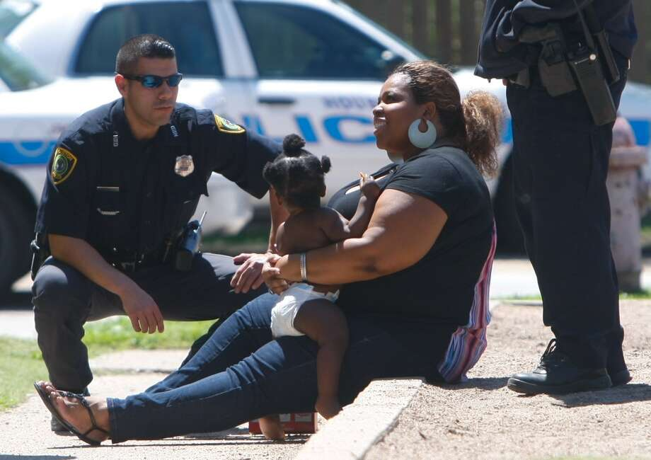 Authorities found the two children safe at Arcadia at Westheimer apartments. Photo: Cody Duty / Houston Chronicle