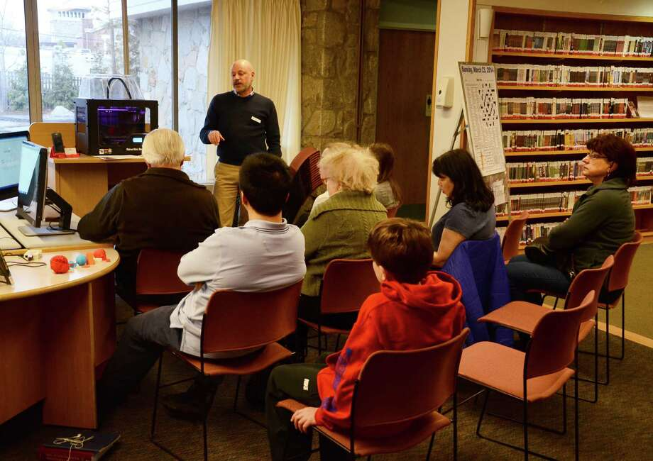 Jeff Zaino, head of information technology at New Canaan Library, teaches a 3D printer certification class on March 28, 2014. Photo: Nelson Oliveira / New Canaan News