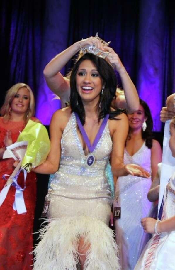 Deidra Angulo Miss San Antonio 2014 gets crowned Photo: Courtesy Photo / San Antonio Express-News