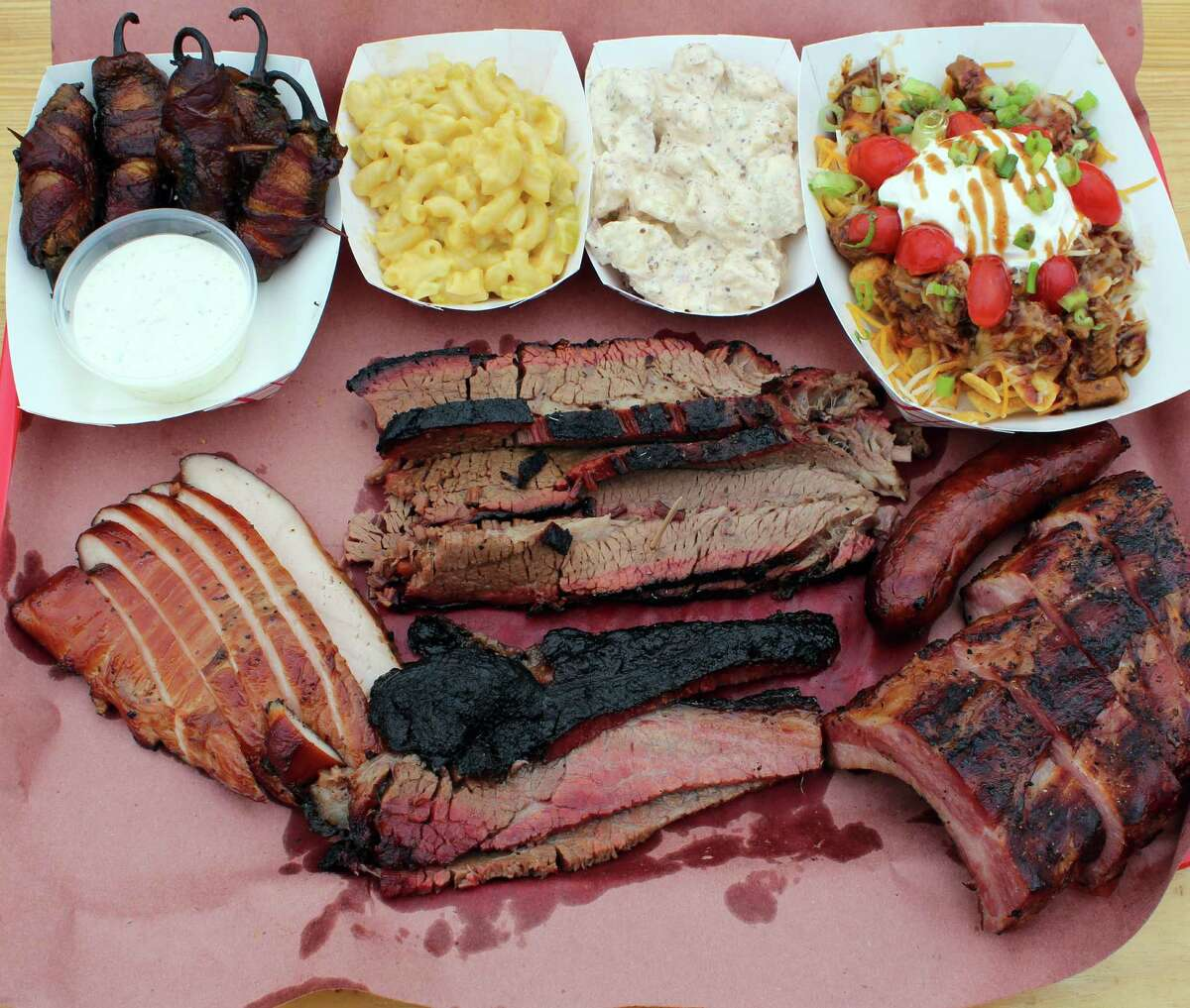 Meats and sides at the folksy B&D Ice House.