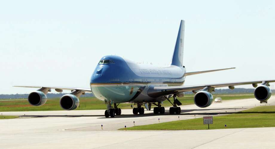 Air Force One at Bush airport. Photo: Bob Levey, Associated Press / FR156786 AP