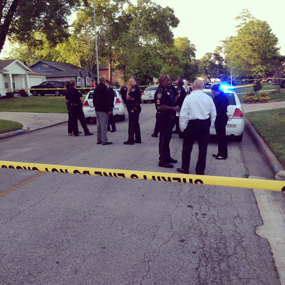 An officer shot someone in the 17000 block of Scuttle Way in the Crosby area on Wednesday. Photo: Mike Glenn, Chronicle