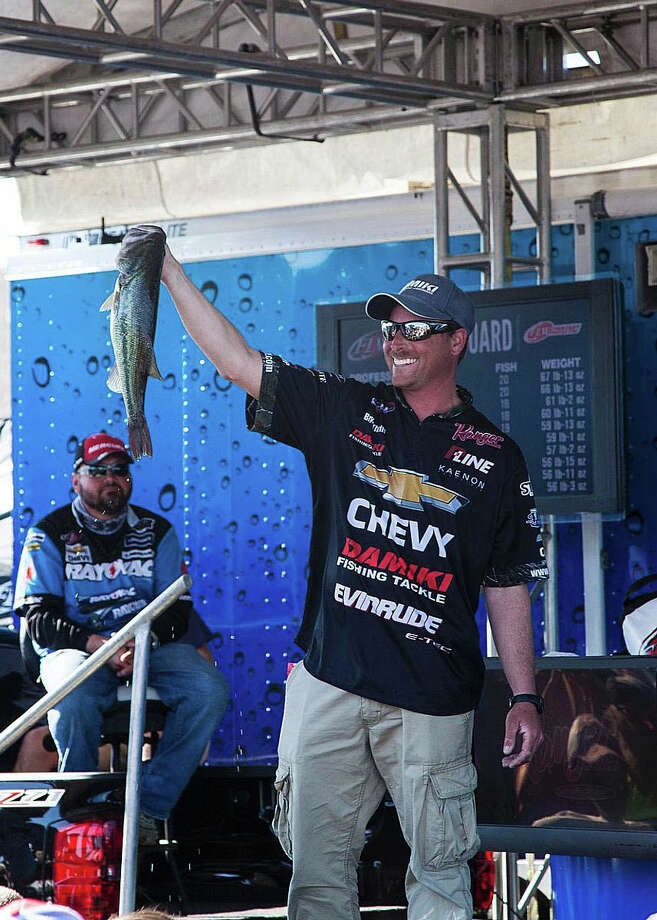 Bryan Thrift came from behind in the 11th hour to capture the championship with a 3-pound, 1-ounce margin over Mark Rose.  (Photo by D.W. Reed II)