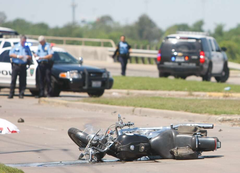 Police responded to a fatal motorcycle wreck in east Houston Thursday afternoon. Photo: Cody Duty