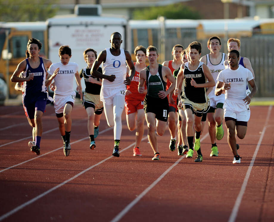 The District 20-4A Varsity Track Meet finals were held Wednesday afternoon at Babe Zaharias Stadium. Photo taken Wednesday, 4/9/14 Jake Daniels/@JakeD_in_SETX Photo: Jake Daniels / ©2014 The Beaumont Enterprise/Jake Daniels