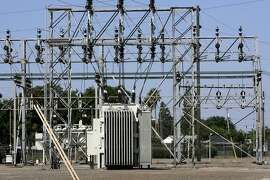 The Manteca power substation, in Manteca, Calif. on Thursday, June 15, 2006, is one of the PG&E properties that the South San Joaquin Irrigation District is attempting to acquire. But with PG&E  refusing to negotiate, the irrigation district, which covers a 112 square mile area, is prepared to seize the property through eminent domain proceedings. PAUL CHINN/The Chronicle