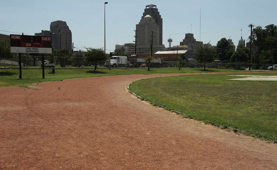 Fox Tech High School's track and former baseball field are out of the running for the University of the Incarnate Word's proposed medical school, it has been confirmed. Photo: San Antonio Express-News / ©San Antonio Express-News/Photo may be sold to the public