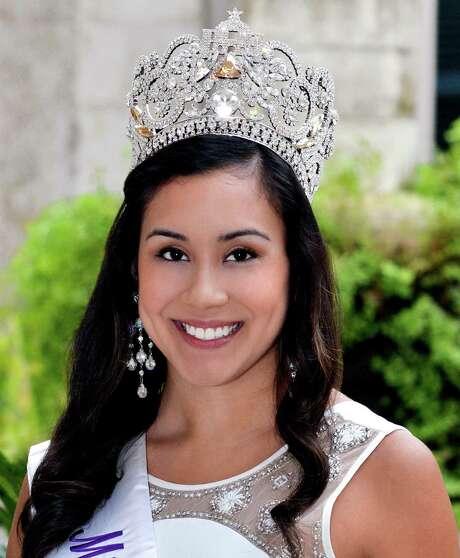Miss Fiesta 2014 Sophia Campos / San Antonio Express-News