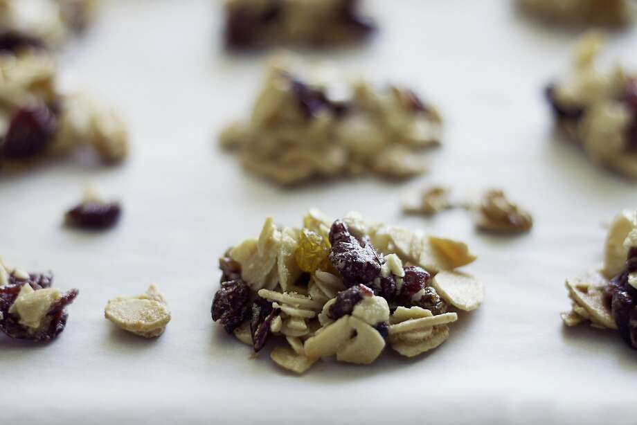 Dried Fruit & Almond Clusters Photo: Paige Hermreck, Special To The Chronicle