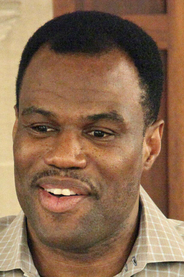 Former Spurs center David Robinson says he has known plenty of gay athletes during his career. Photo: JUANITO M GARZA, San Antonio Express-News / San Antonio Express-News