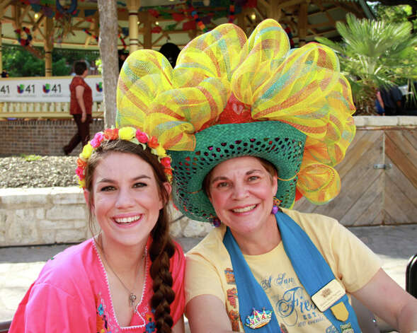 Fiesta enthusiasts gathered at the Alamo celebrate Fiesta Fiesta. Photo: Deanne Cuellar, For MySA.com