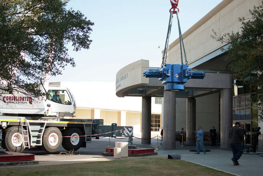 A 20-ton blowout preventer from National Oilwell Varco is delivered to the George Bush Presidential Library and Museum at Texas A&M University in March 2014 as part of the Offshore Drilling exhibit on display through Feb. 1, 2015. Photo: George Bush Presidential Library And Museum