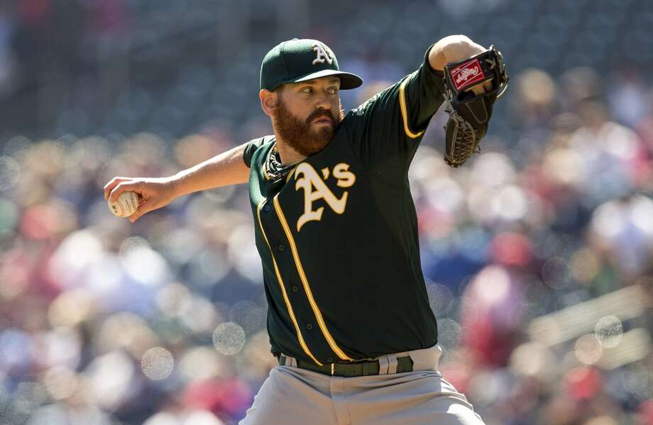 Oakland Athletics starting pitcher Dan Straily (67) delivers a pitch in the first inning against the Minnesota Twins at Target Field. Photo: Jesse Johnson, Reuters