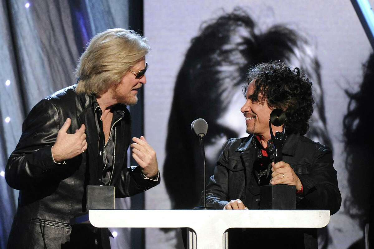 Hall of Fame Inductees, Hall and Oates, Daryl Hall and John Oates speak at the 2014 Rock and Roll Hall of Fame Induction Ceremony on Thursday, April, 10, 2014 in New York. (Photo by Charles Sykes/Invision/AP) ORG XMIT: NYCS466