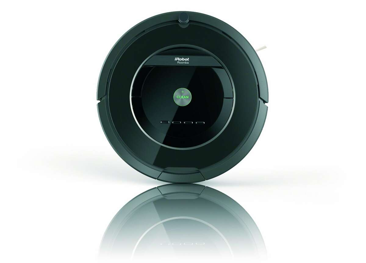 iRobot Roomba 880: Cleans the floor.